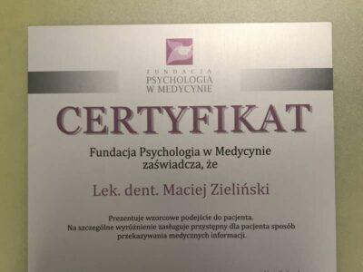 lek. stom. <span>Maciej Zieliński</span> 11