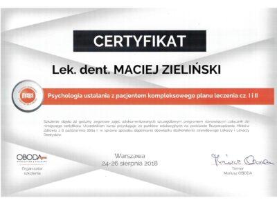 lek. stom. <span>Maciej Zieliński</span> 19