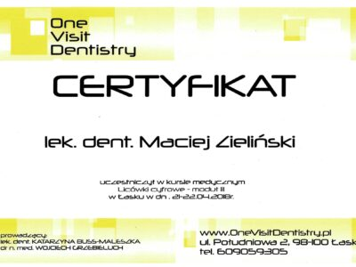 lek. stom. <span>Maciej Zieliński</span> 22
