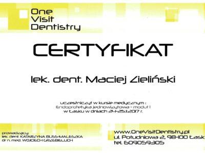lek. stom. <span>Maciej Zieliński</span> 23