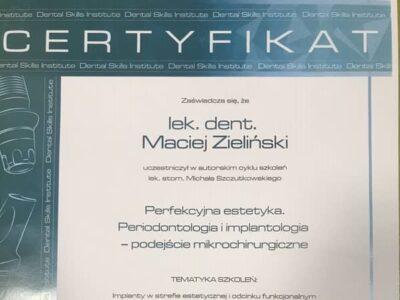 lek. stom. <span>Maciej Zieliński</span> 12