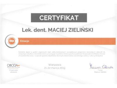 lek. stom. <span>Maciej Zieliński</span> 8