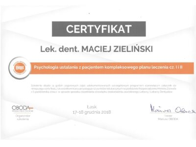 lek. stom. <span>Maciej Zieliński</span> 24
